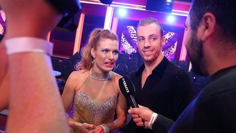 Gabriela Koukalová se svým tanečním partnerem Martinem Prágrem.