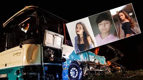 Na Slovensku proběhl dojemný pohřeb obětí nehody autobusu.