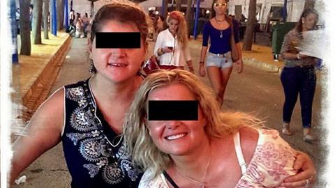 Pavlína (vpravo) si v Hurghadě sáhla na život nejspíš kvůli tomu, že ji využil...