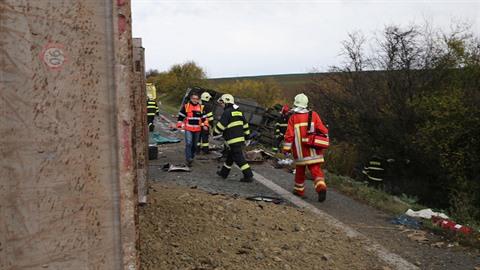 Na jihu Slovenska došlo k nehodě autobusu a kamionu.