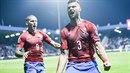Klíčová chvíle. Ondřej Čelůstka slaví postupový gól na EURO. Gratuluje mu...