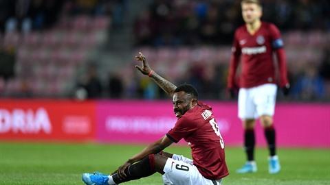 Guélor Kanga je super fotbalista, který si však kazí renomé například i...