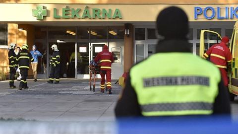 Záběry z policejního zásahu ve Fakultní nemocnici Ostrava.