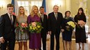 Na novoročním obědě v Lánech kromě prezidenta Miloše Zemana, manželky Ivany a...