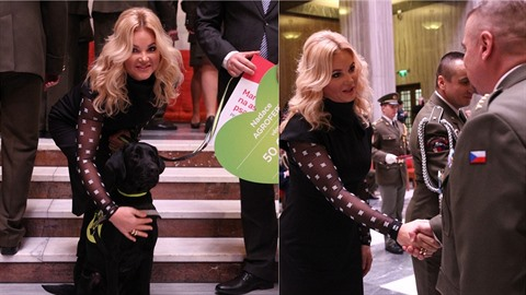 Monika Babišová předala na Vítkově vyznamenání i šek na asistenčního psa.