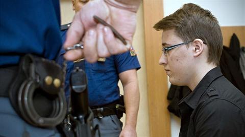 Daniel Miarko se před soudem přiznal k vraždě Terezy, do které byl bezhlavě...