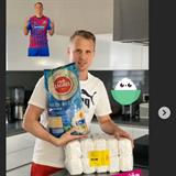 David Limberský a jeho zásoby rýže.