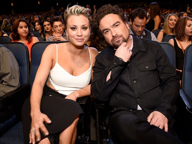 Kaley Cuoco a Johnny Galecki