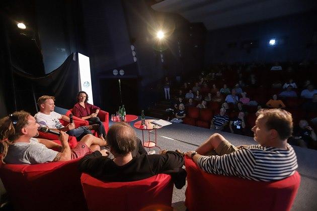 Soňa Jonášová / ředitelka Institutu Cirkulární Ekonomiky, Evžen Ulman/ cestovatel a ekolog a další / Diskuzní panel VMO 2019