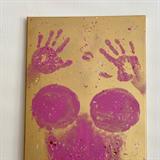Charlotte Štiková namalovala obraz svému příteli vlastním tělem.