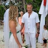Robert Rosenberg s manželkou Petrou při romantickém obřadu na Maledivách