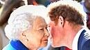 Princ Harry si něco lišácky šeptá s královnou na královském květinovém...