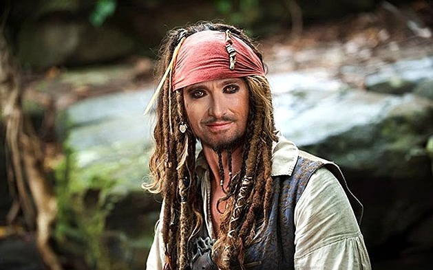 Jack Sparrow (Pirates of the Caribbean: The Curse of the Black Pearl)