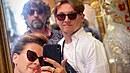 Dana se svým synem a mužem.