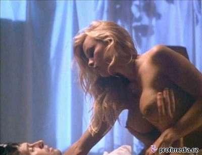 ona nabizi sex nahe herecky