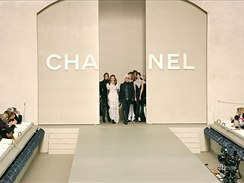 Chanel fashion show v Paříži