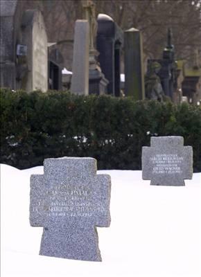 7e23e255c96 Stát by měl vztyčit na ďáblickém hřbitově pomník hrdinům protinacistického  odboje.