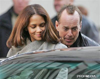 Perfect Stranger - Halle Berry a Bruce Willis