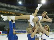 O2 Cheerleaders