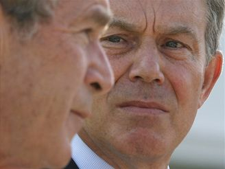 Tony Blair a George Bush na summitu G8