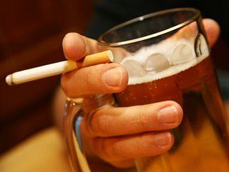 Výsledek obrázku pro cigarety a alkohol