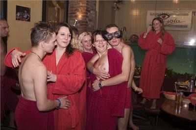 swinger party foto kundy