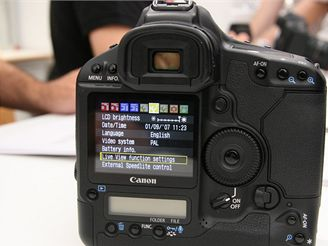 Canon EOS 1Ds Mark III (IFA 2007)