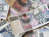 Peníze, Kč, pět tisíc korun