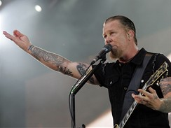 Koncert kapely Metallica - kytarista James Hetfield