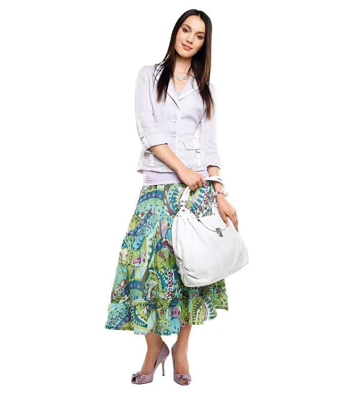 694206e91d00 Letní móda do práce - Lněné sako s bílým lemem