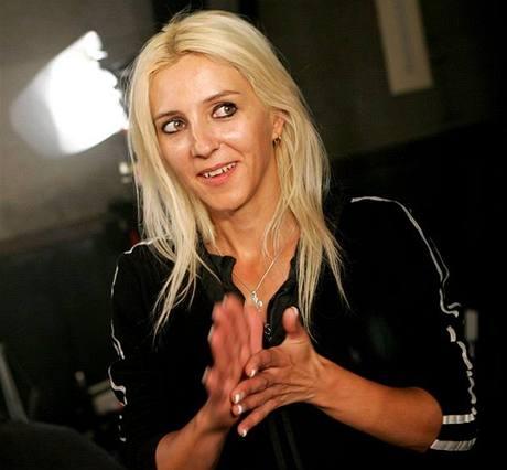 100 bezplatných seznamek pro vdovy VH1 reality dating show