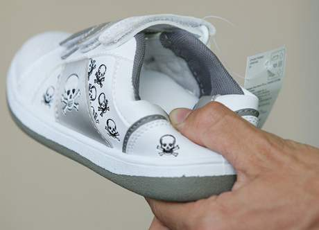 afb79dac7ec Jedenáct vzorků bot z celkových dvanácti vykázalo v testu ...