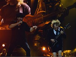 AC/DC (Brian Johnson a Angus Young)