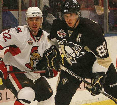 Pittsburgh - Ottawa: Crosby (vpravo), Kelly