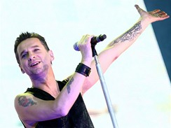 Depeche Mode se vrátili s Tour Of The Universe - Dave Gahan