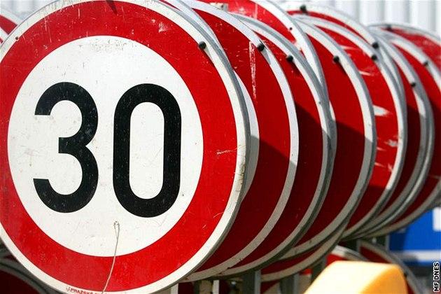 Po Bruselu už jen třicítkou, ze silnic budou pěší zóny
