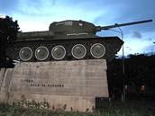 foto: Tomáš Poláček, MF DNES - V centru Naľčiku mě sice večer vítal tank, ale nefunkční, ze druhé světové války.