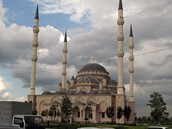 foto: Tomáš Poláček, MF DNES - Mešita Srdce Čečny v Grozném