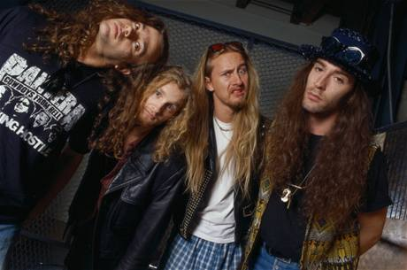 Alice In Chains (zleva Mike Starr, Layne Staley, Jerry Cantrell, Sean Kinney)