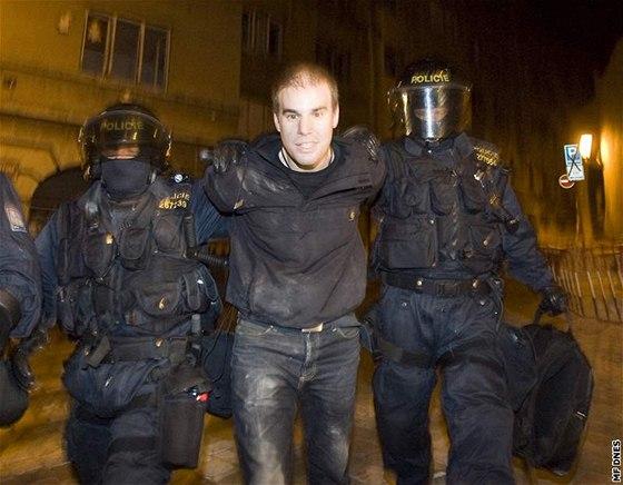 policejní zatčení videa velký péro v těsné kočička pic