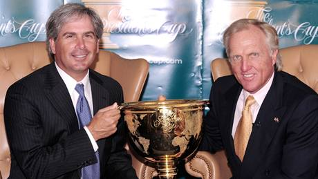 Presidents Cup 2009 - kapitáni Fred Couples (USA - vlevo) a Greg Norman (Svět).