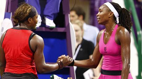 Serena (vlevo) a Venus Williamsovy