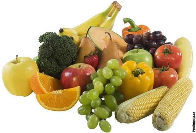 Špenát je ohromnou zásobárnou železa aneb největší mýty o zelenině a ovoci  - iDNES.cz e98c611aa6