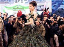Na nejdražší svatební šaty světa si připravte 12 milionů dolarů f00be91f00