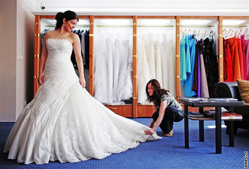 Fotogalerie  Svatební salon Nuance - bloggerka Zuzana zkouší svatební studia  v praxi 2416d03ae0