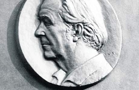 Bronzová pamětní deska Rudolfa Gajdoše