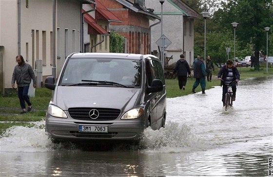 Troubky opět po 35 letech ochrání před povodní Selský val - iDNES.cz 866abdb8ef