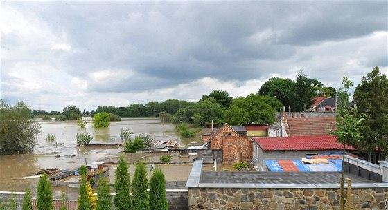 Rohatec na Hodonínsku by před velkou vodou měla v budoucnu ochránit nová  protipovodňová ... ea52e465e1