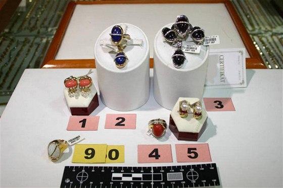 ff2bbccc58d Policie zajistila zlaté šperky v Mariánských Lázních