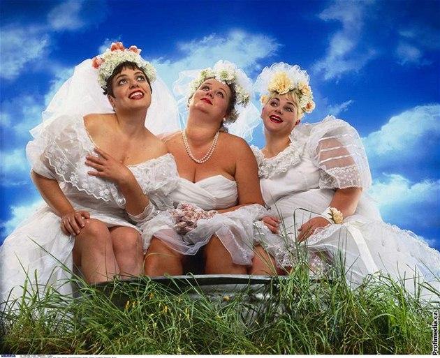 S velkými ňadry do korzetu. Vyberte si svatební šaty podle typu postavy -  iDNES.cz f4a2870c3e